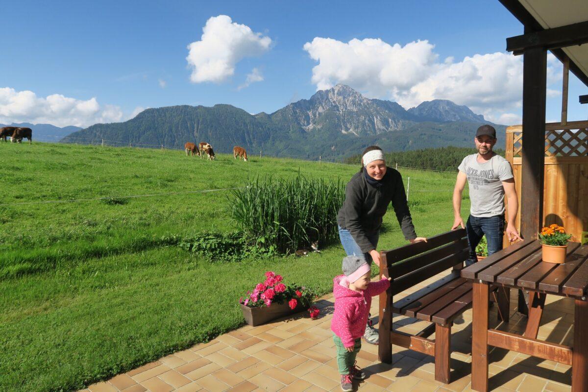Die Willbergers vom Fuchsbauernhof freuen sich auf ihre ersten Gäste © Molkerei Berchtesgadener Land