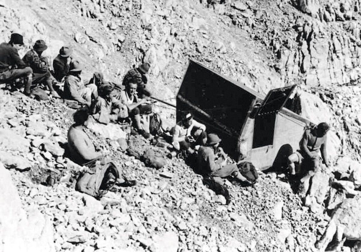 Die alte Biwakschachtel auf der Westseite der Watzmann-Südspitze