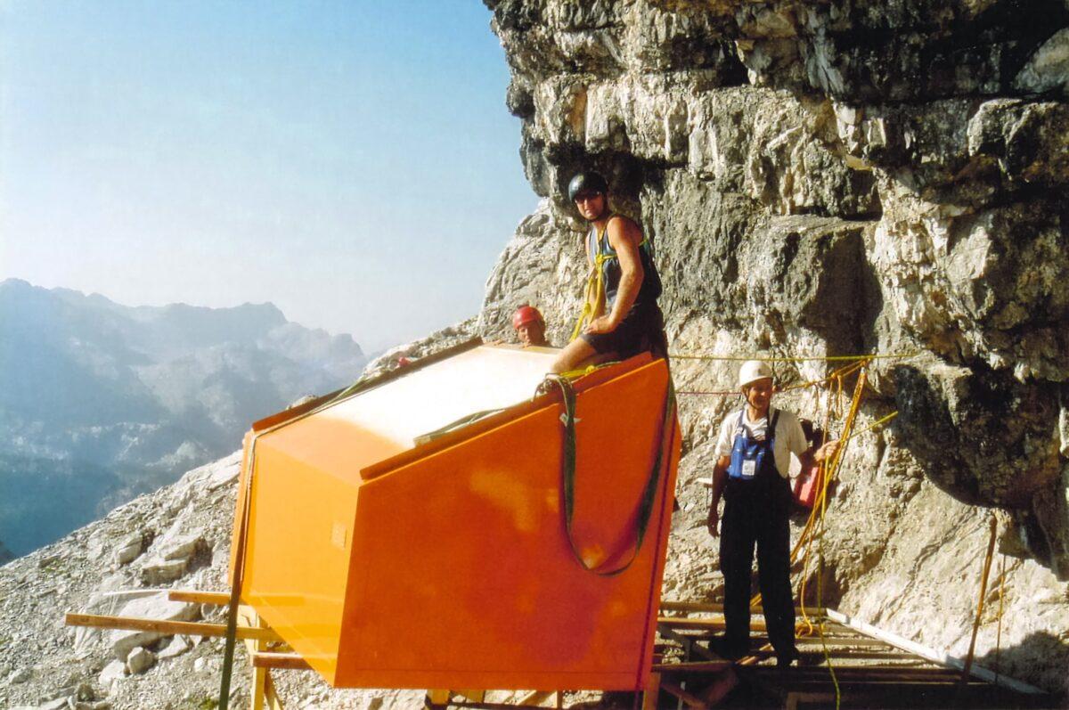 Die neue Biwakschachtel 2003 in der Ostwand