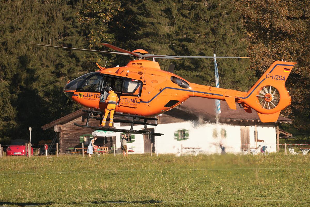 Rettungshubschrauber Christoph 14 im Einsatz mit der Bergwacht © BRK BGL