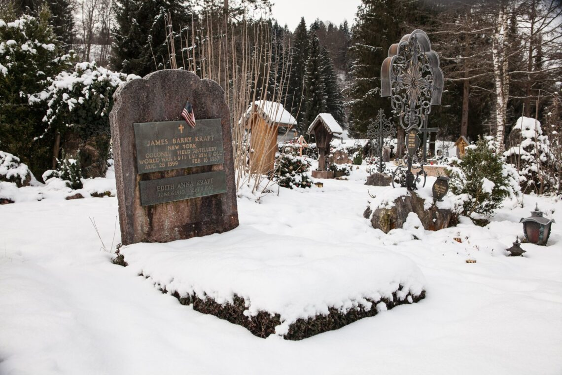 Das Grab von Jim Kraft auf dem Bergfriedhof